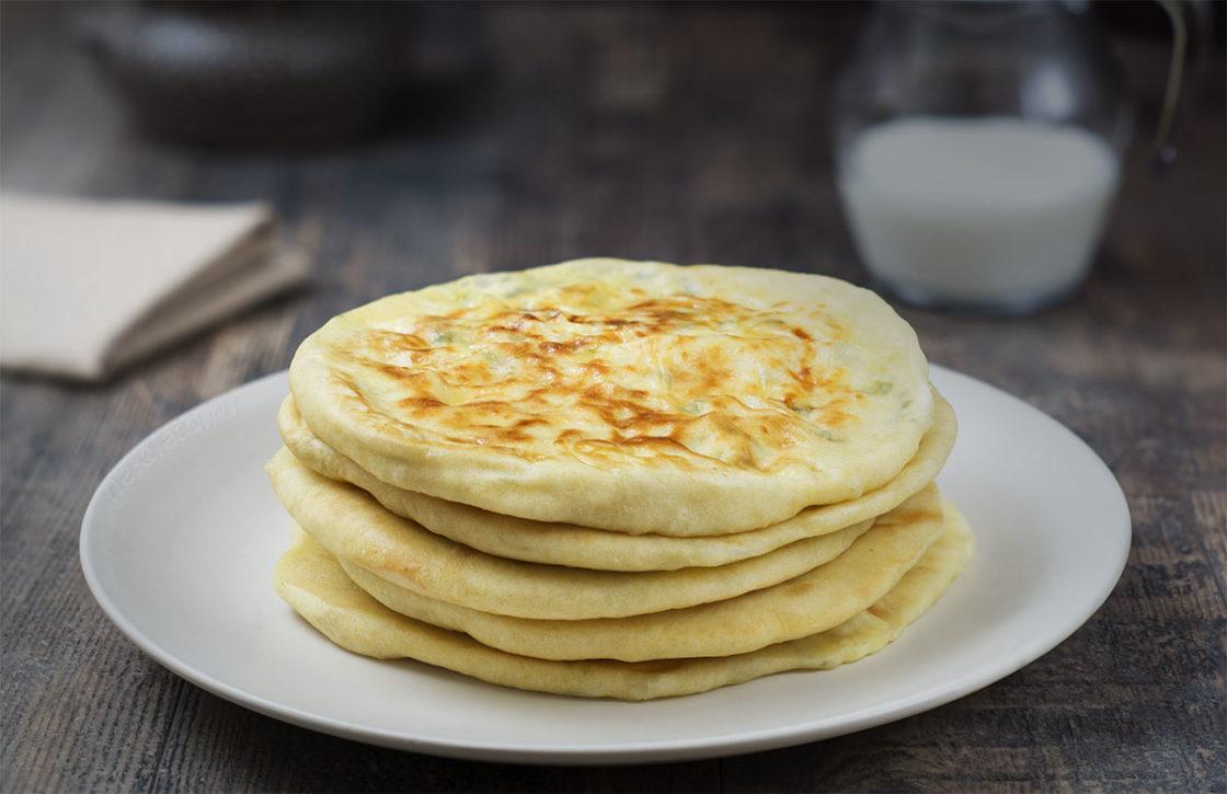Хачапури с творогом и сыром