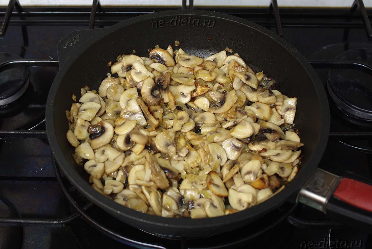 Жареные грибы с луком для жюльена