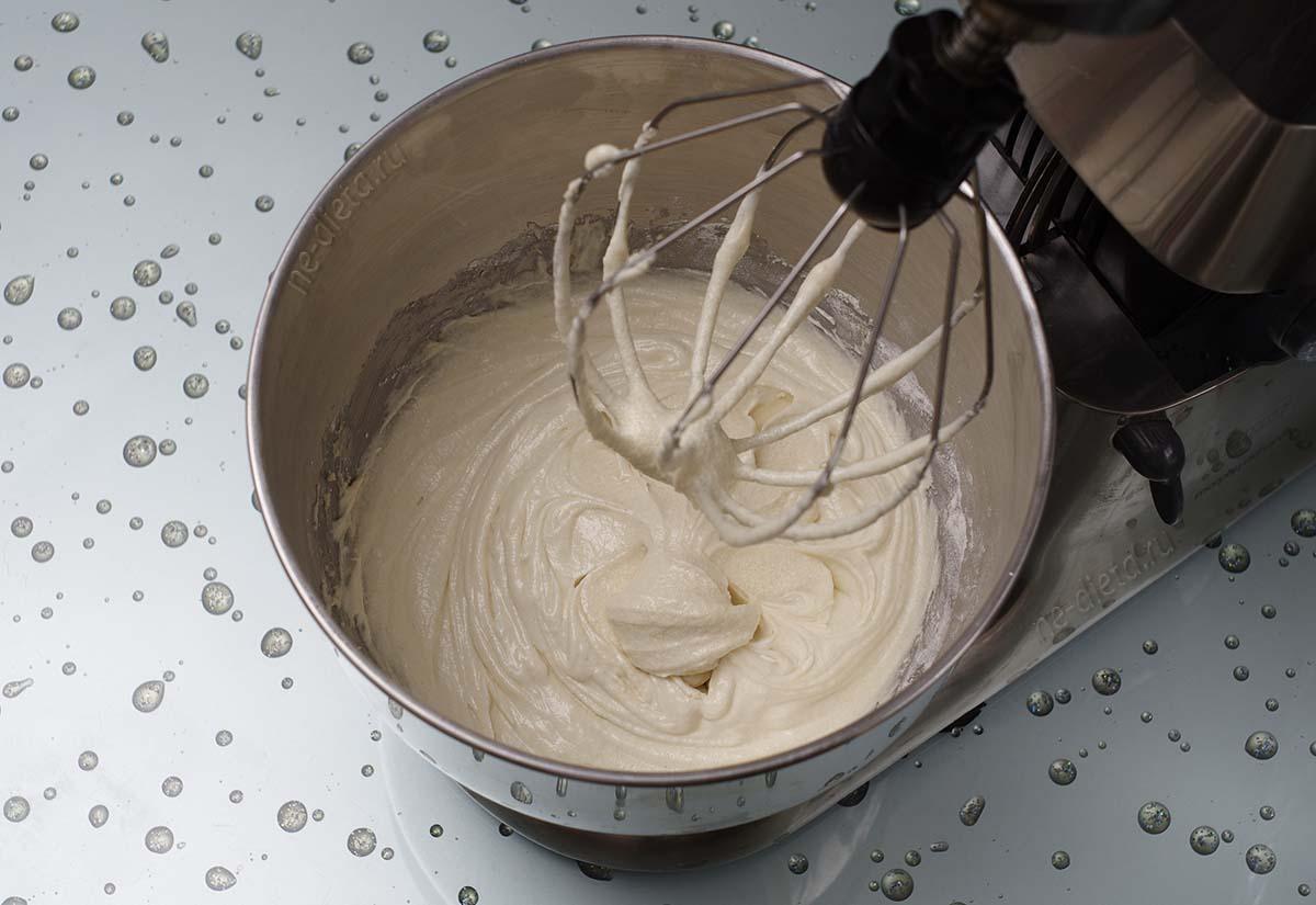 Тесто для кексов с грушей и шоколадом