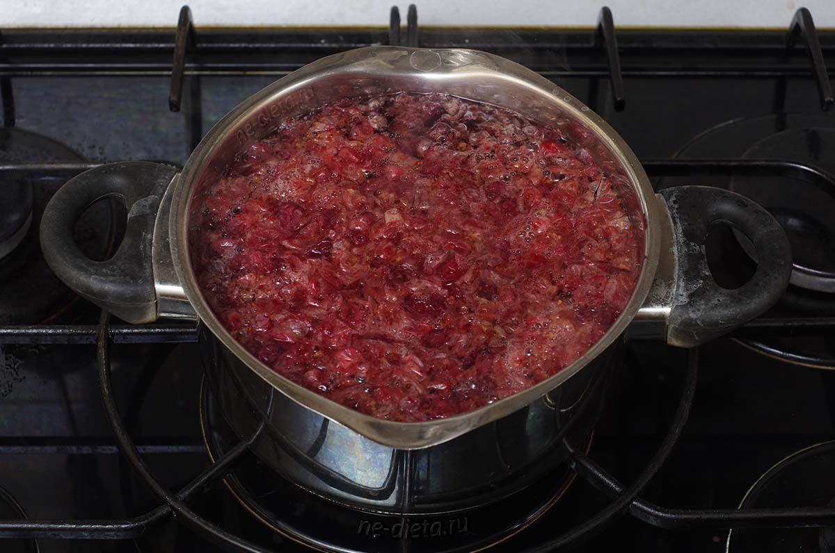 Клюквенный жмых варить 5 - 7 минут