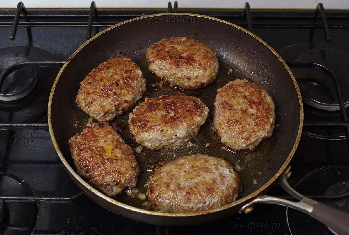 Котлеты из говядины на сковороде