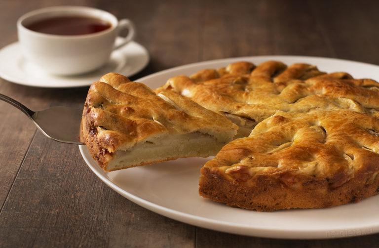 Яблочный пирог — 3 простых рецепта