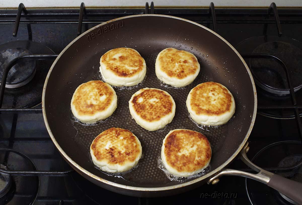 Самые вкусные сырники на сковороде