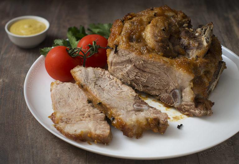 Свинина в духовке — 3 вкусных рецепта