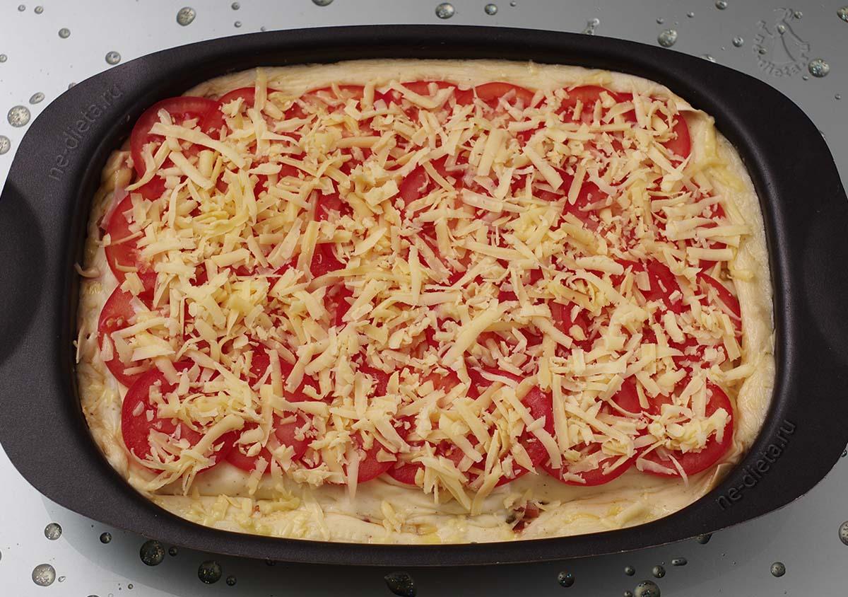 Помидоры посыпать сыром