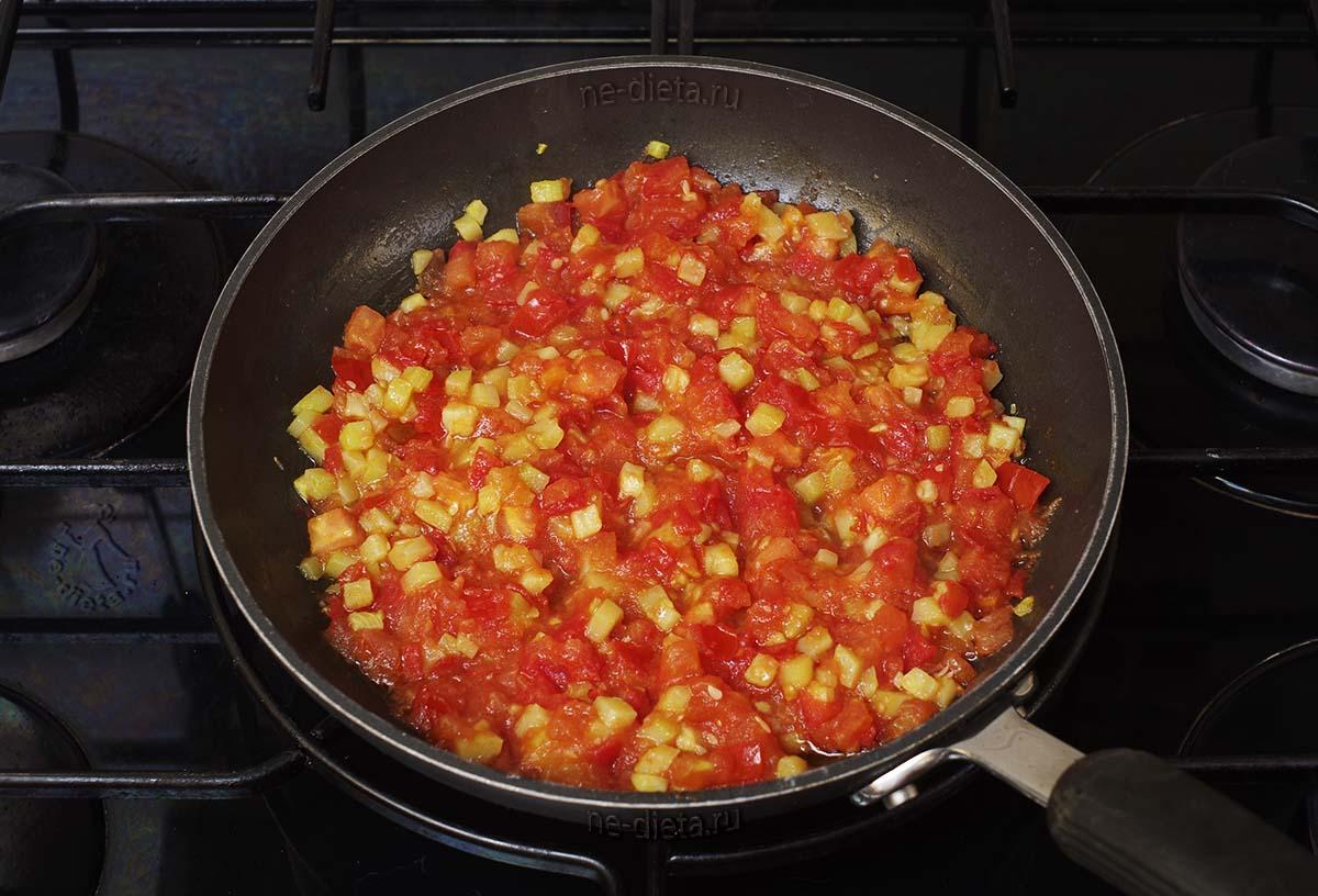 Потушить кабачки с помидорами