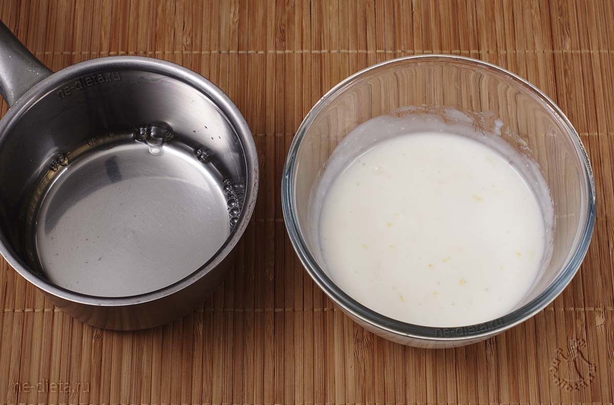 В йогуртную смесь добавить оставшийся желатин