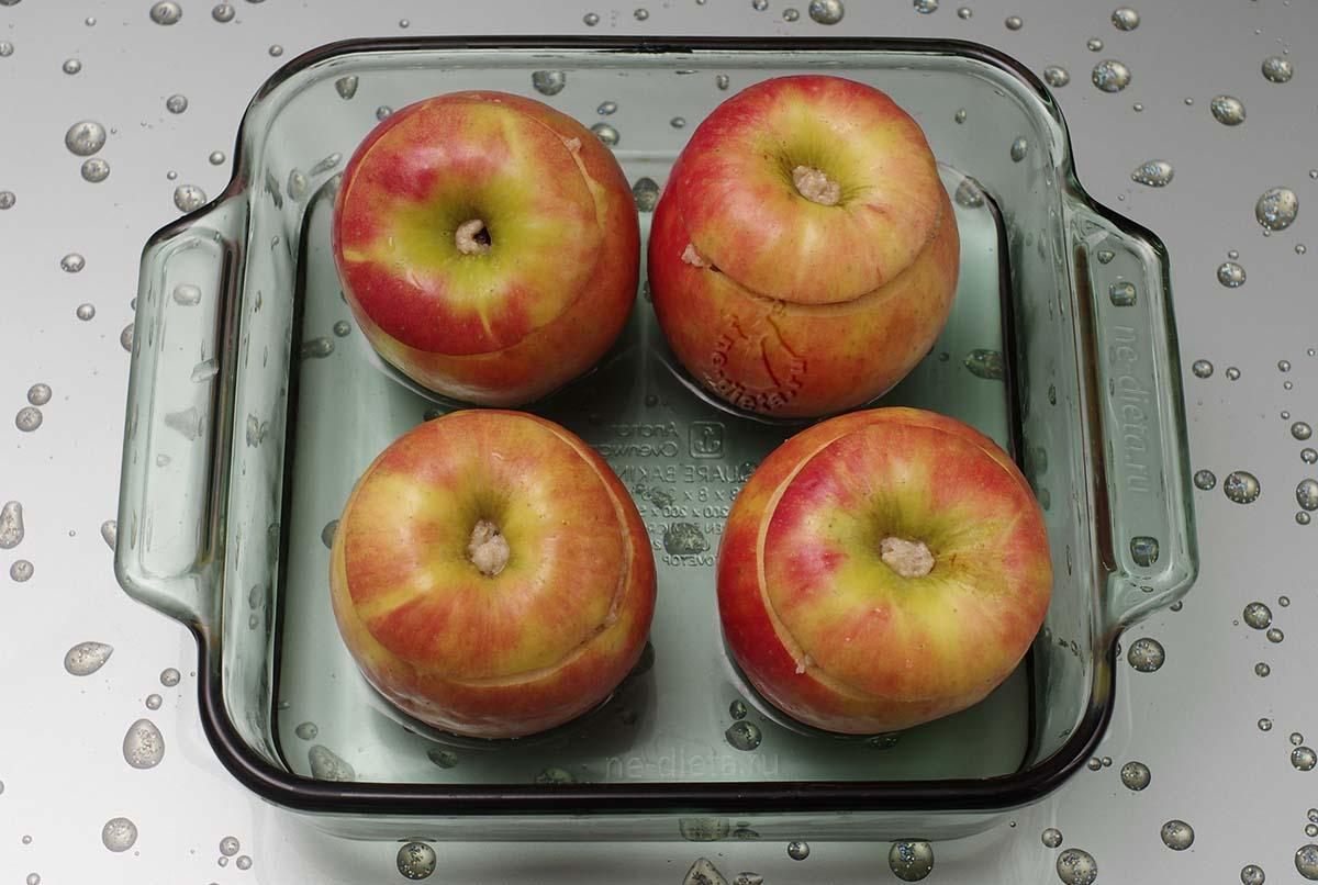 Яблоки нафаршировать овсяной кашей