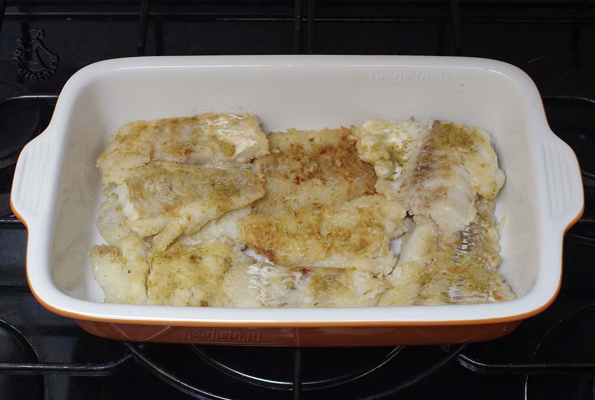Рыбу выложить в форму