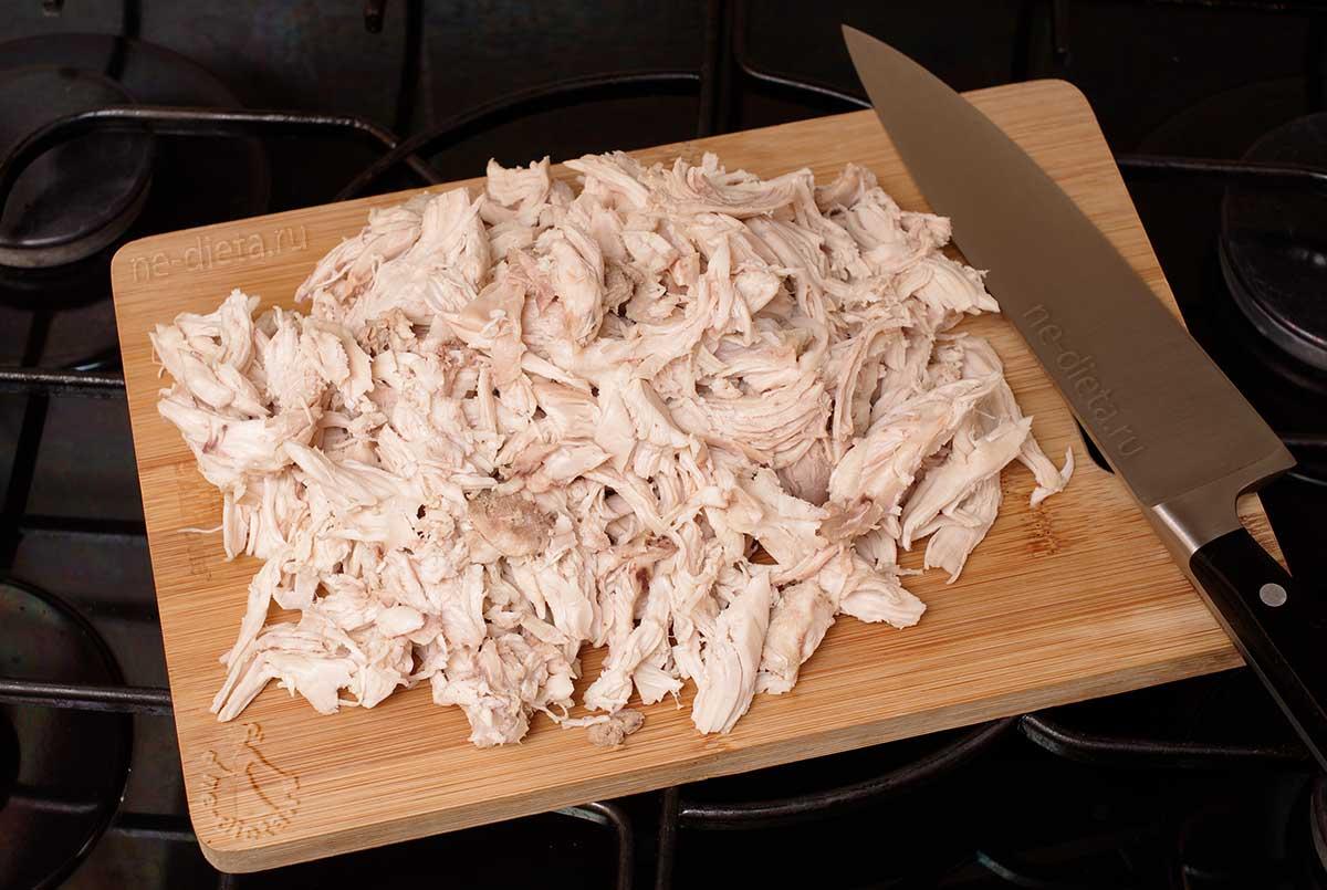 Куриное мясо разобрать на волокна