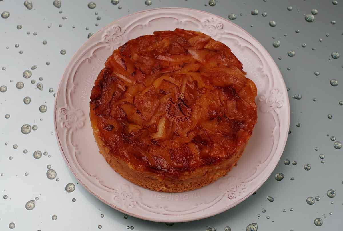 Яблочный пирог перевертыш с карамелью