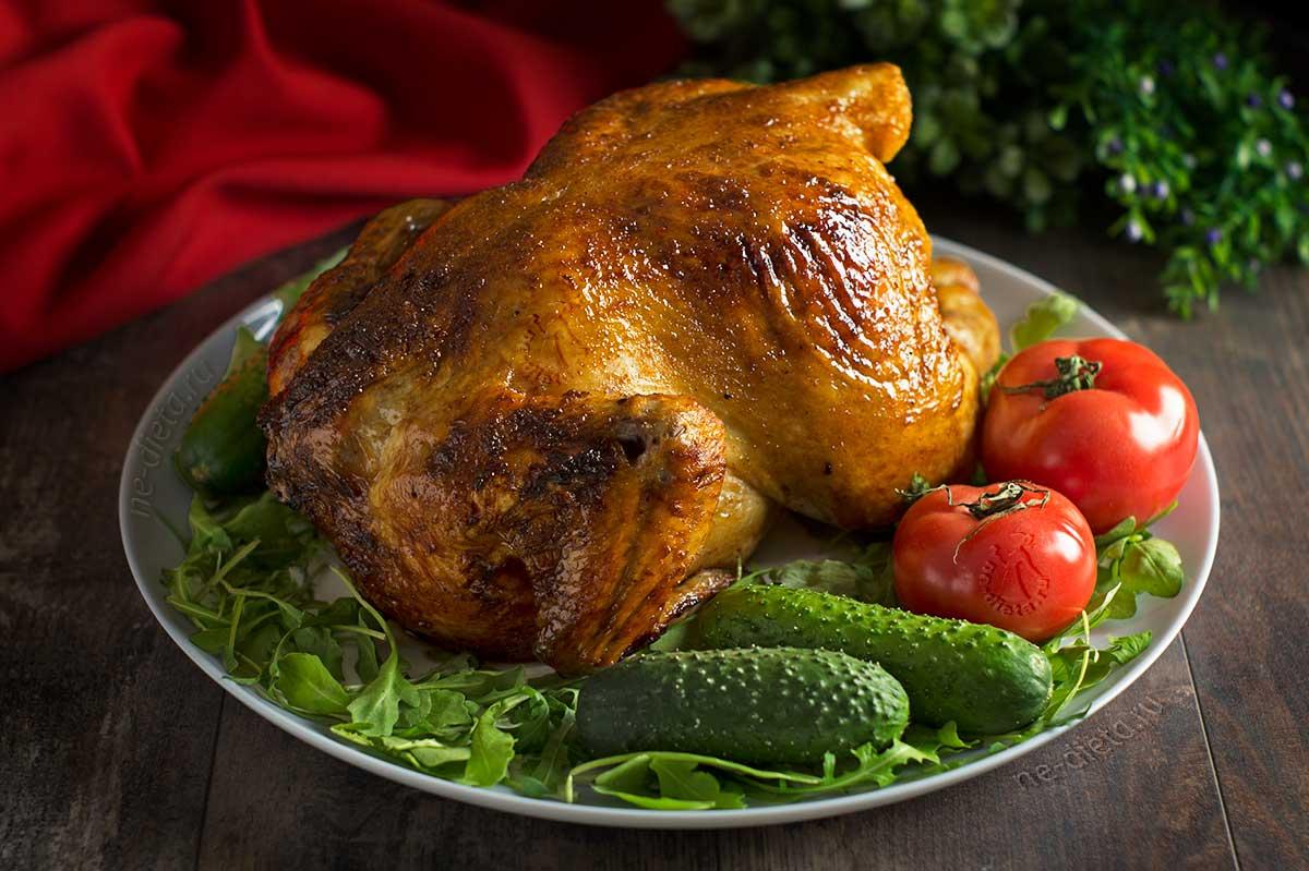 Курица в духовке с хрустящей корочкой целиком