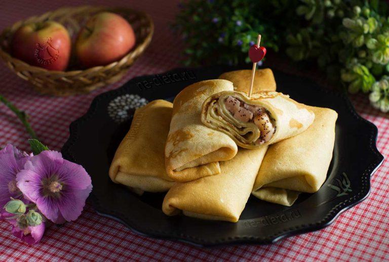 Блинчики с яблоками и сливочным кремом