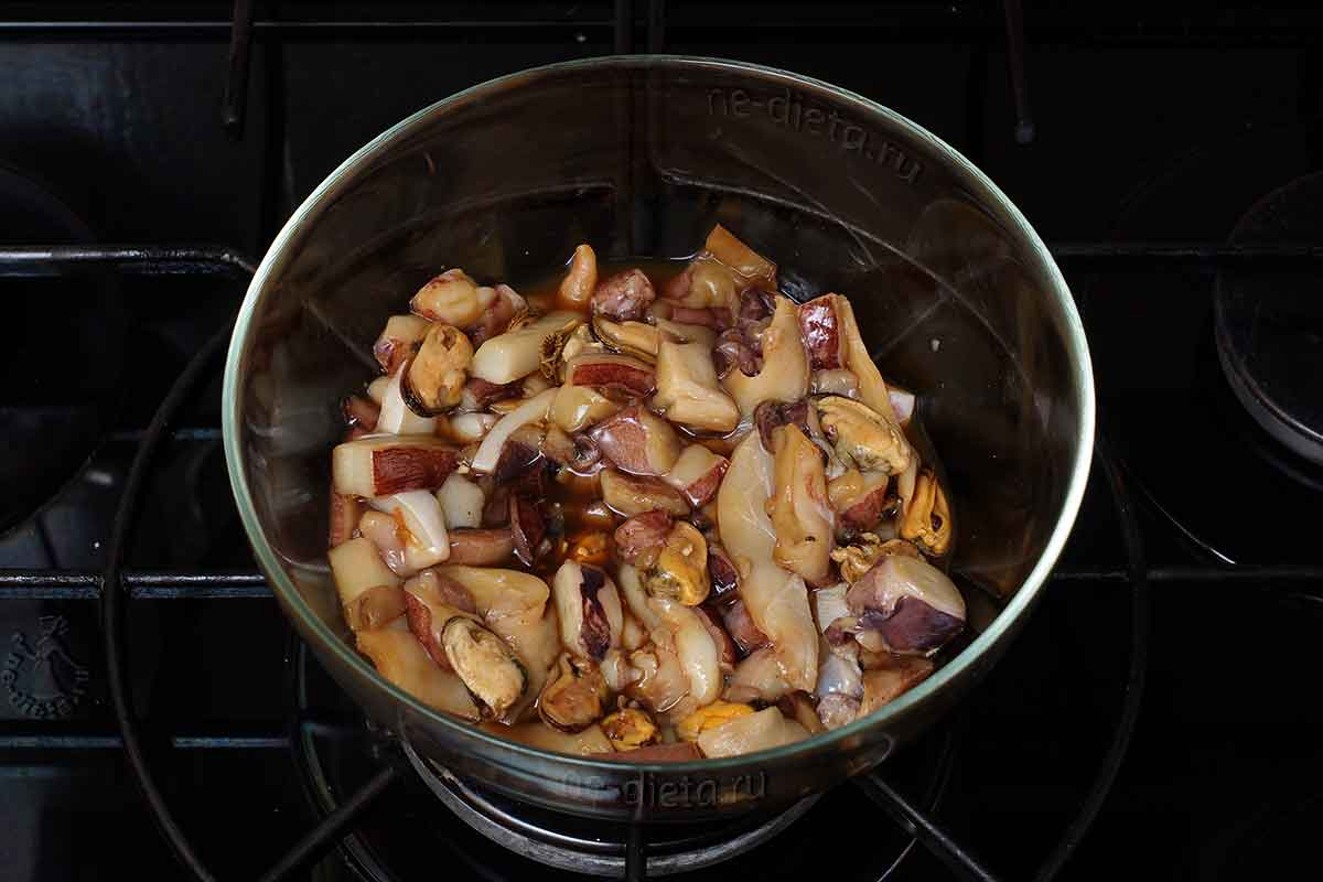 Морепродукты замариновать в соевом соусе