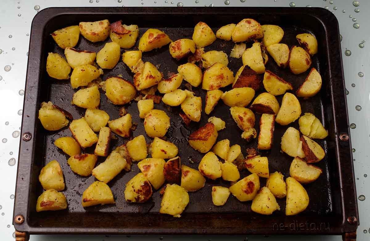 Картошка в духовке кусочками